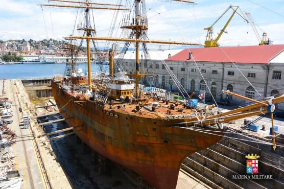 Amerigo Vespucci - veleiro no dique - foto 2 Marinha Italiana