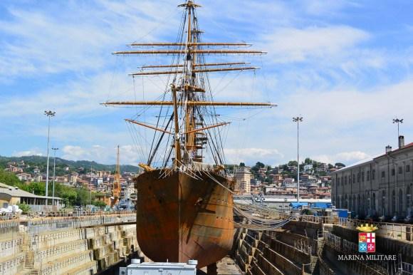Amerigo Vespucci - veleiro no dique - foto 6 Marinha Italiana