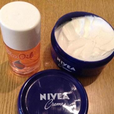 イギリスで妊娠線クリーム選び ニベアとバイオオイル