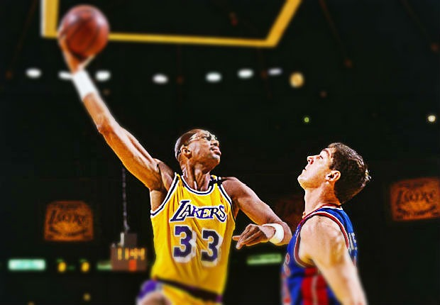 Kareem Abdul-Jabbar, líder de los máximos anotadores de la historia de la NBA