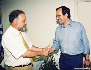 Ο Πρόεδρος Α. Σαμαράς στο Γραφείο Νομάρχη Δ. Σαραβάκου στις εκλογές του 1998