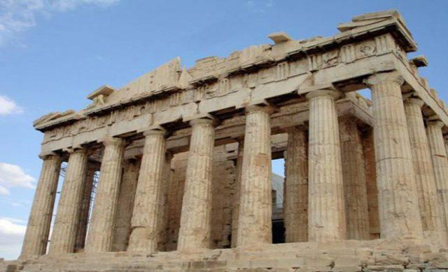 giati-pano-apo-thn-akropolh-den-petane-poulia
