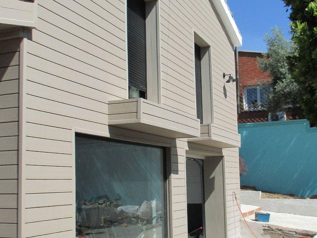 Revestimiento madera exterior dise os arquitect nicos for Revestimiento exterior zinc