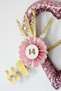 Gold Dipped Feathers & Paper Medallion via Nest of Posies