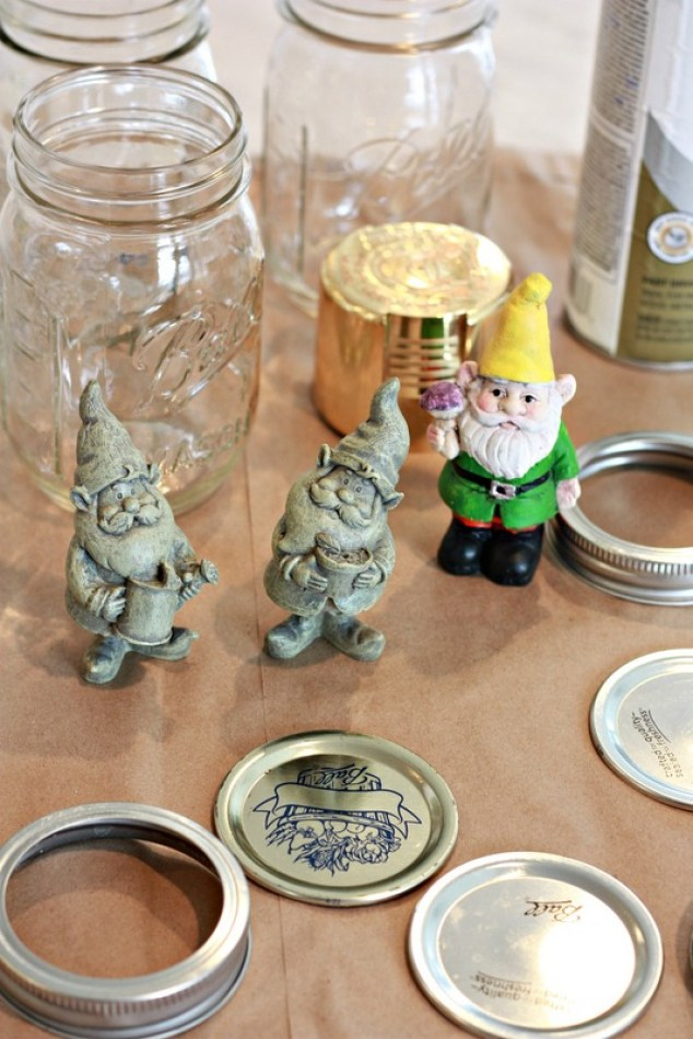 Supplies and Gnomes to spray paint