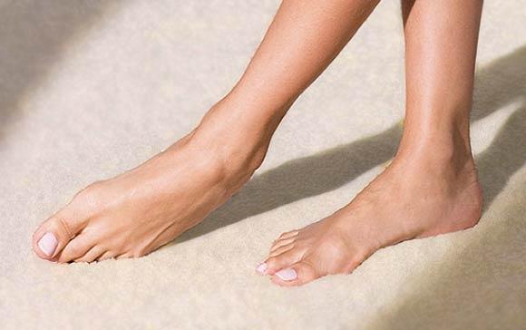 Wie bekomme ich schöne Füße?