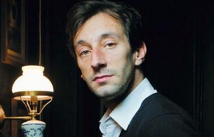 """Antoine Laurain, auteur de """"Le chapeau de Mitterrand"""", Flammarion Crédit : Jean-LucBertini/Flammarion"""