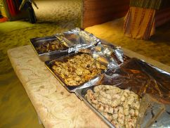 arabisches Bufett im Beduinencamp