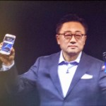 Samsung (and Facebook) raise the mobile game