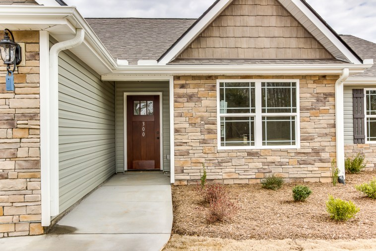300 Hawk Valley Dr, Travelers Rest, SC-5