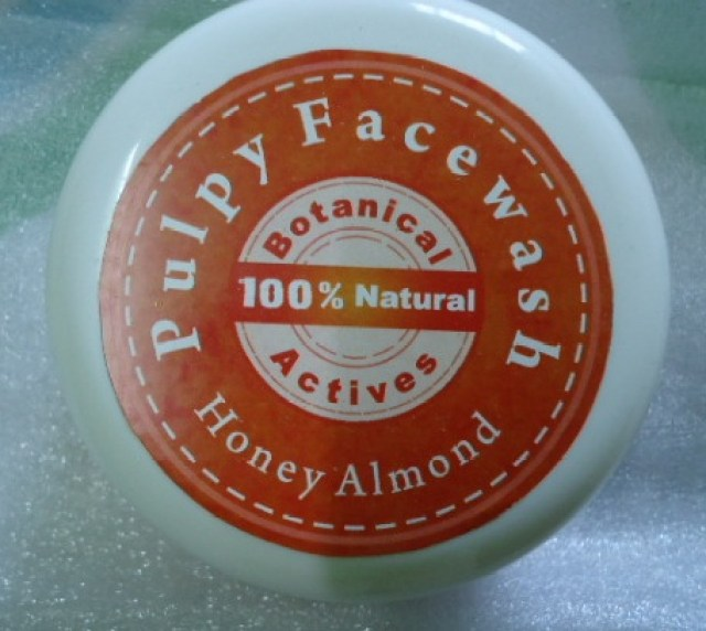 Auravedic Pulpy Face Wash Honey Almond Review