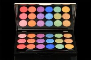 Colorbar-s-Long-Lasting-Eye-Shadow-Pots-INR-1500-3-1