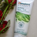 Himalaya Herbals Purifying Neem Scrub: Scrub for Sensitive, Acne Prone Skin
