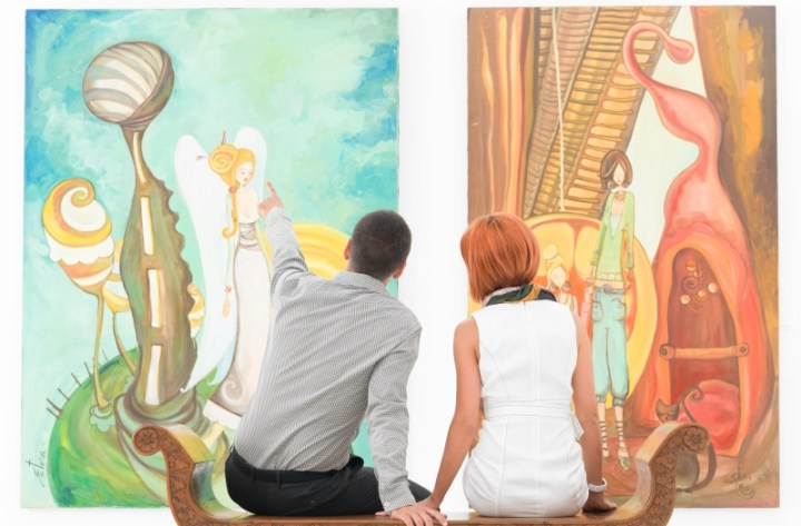 couple at an art gallery