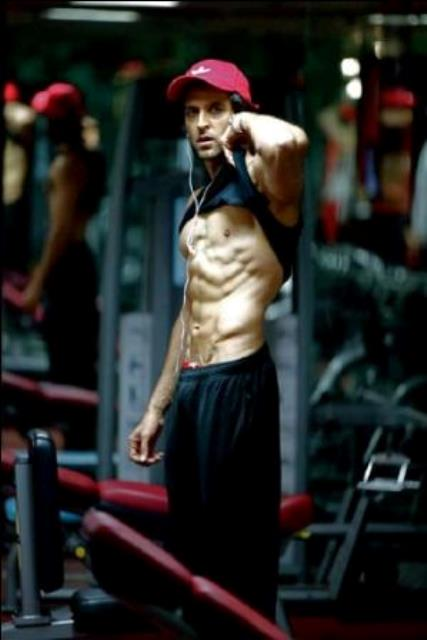hrithik roshan showing off his chiseled abs