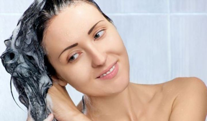 hair hacks shampooing and conditioning together_New_Love_Times