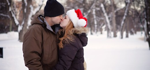 couple kissing in the snow_New_Love_Times