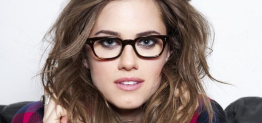 women with glasses_New_Love_Times