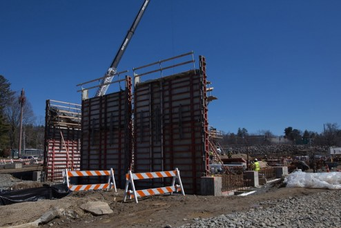 March 29, 2017 - The first wall panels for the bridge's permanent maintenance facility are raised in Tarrytown.