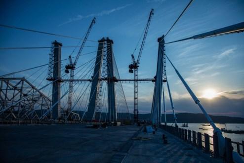 May 17, 2017 - Progress continues on the main span.