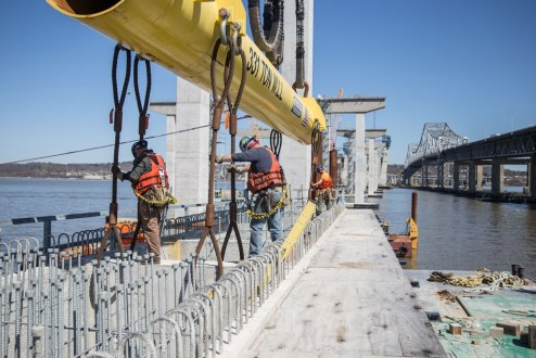 April 16, 2016 - Tappan Zee Constructors raises the final 200-ton pier cap for the current phase of operations with the assistance of the I Lift NY super crane.