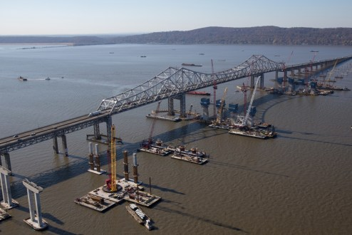 November 16, 2015 - The new bridge's main span takes shape.