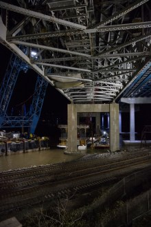 November 11, 2017 - The project team prepares to remove a large section of the old bridge above Metro-North Railroad's tracks.