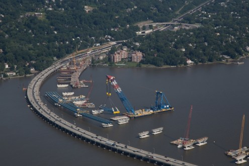 July 2015 - The I Lift NY super crane is prepared to install additional girders for the new bridge's Rockland approach.