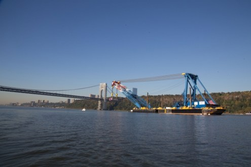 October 6, 2014 - I Lift NY passes the George Washington Bridge on its way to the project site.