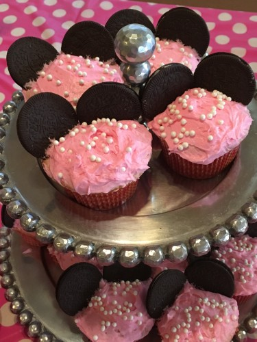 minnie mouse cupcakes pink oreo ears