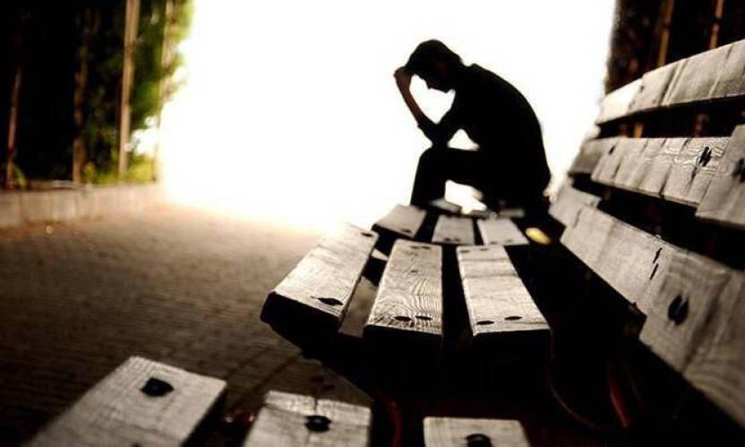 Πώς θα καταλάβετε αν κάποιος κάνει σκέψεις για αυτοκτονία – Όλα τα σημάδια
