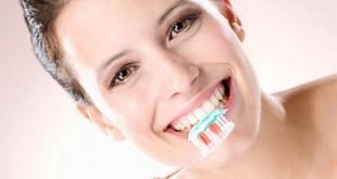 Đánh răng nhiều cũng gây hại