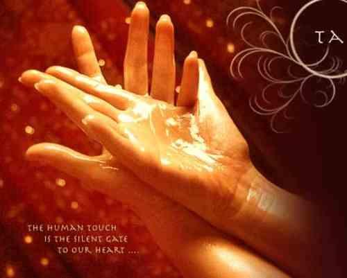 tantric touch 500x401 Seksualiteit en Intimiteit, de op handen zijnde transformatie