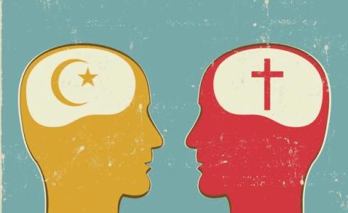 Dialogue Christian and Muslim1 490x300 Wat wij zien in de wereld, is onze eigen wereld weerspiegeld.