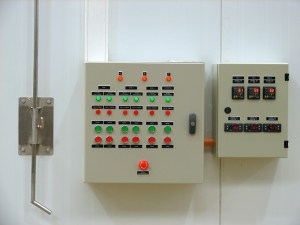 Tablero eléctrico y control de temperatura y humedad