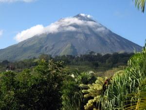 Vulkan Arenal in Costa Rica - Reisebericht Nikki&Michi 2006. Foto: www.nikkiundmichi.de