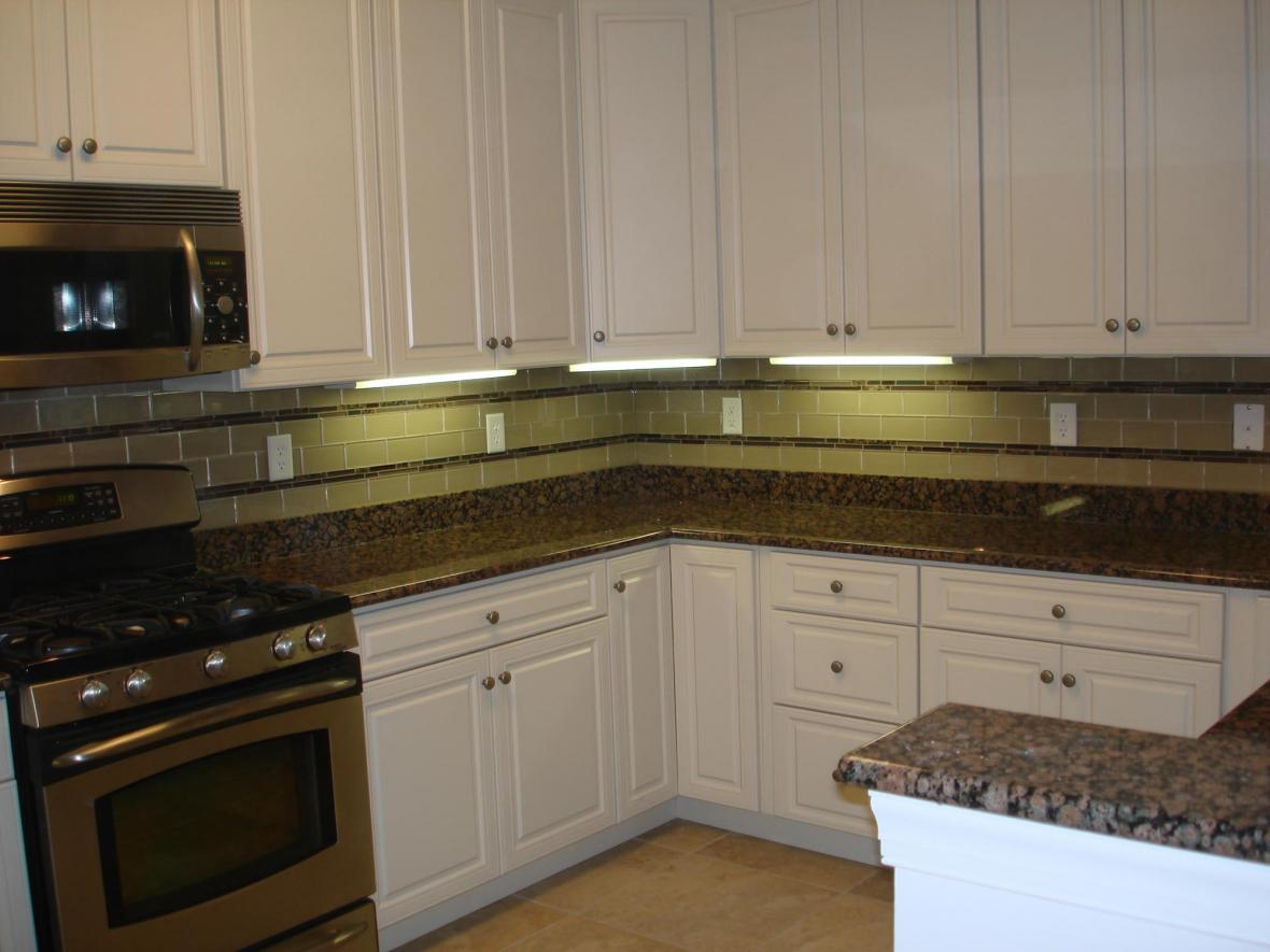 glass kitchen backsplash ideas glass backsplashes for kitchens glass backsplash