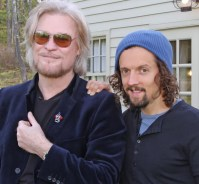Daryl Hall and Jason Mraz for Live From Daryl's House