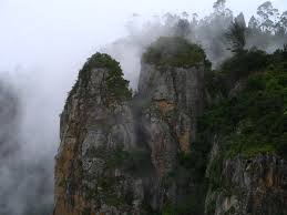Tourist Plces to visit in Kodaikanal - Pillar Rocks