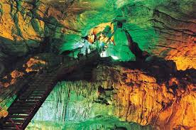 Tourist Places to visit in Araku Valley - Borra Caves