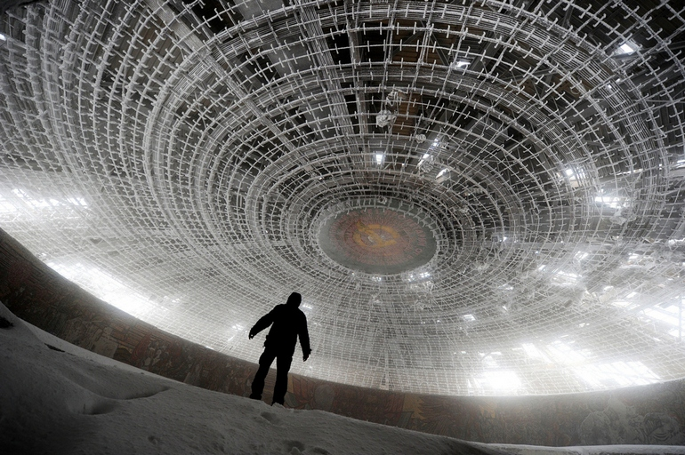 top-33-most-beautiful-abandoned-places-in-the-world-25