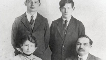 Abel top left with family, Whitley Bay 1916 (from his daughter)
