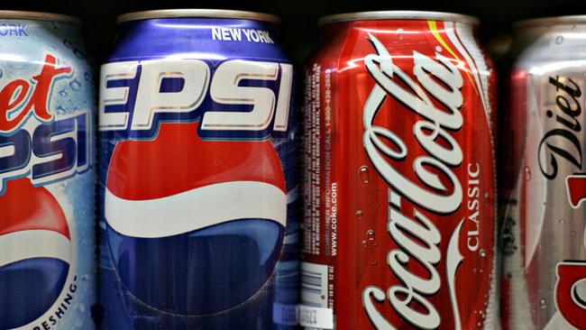 hoyla-coca-cola-y-pepsi-pagan-para-tapar-sus-v-001