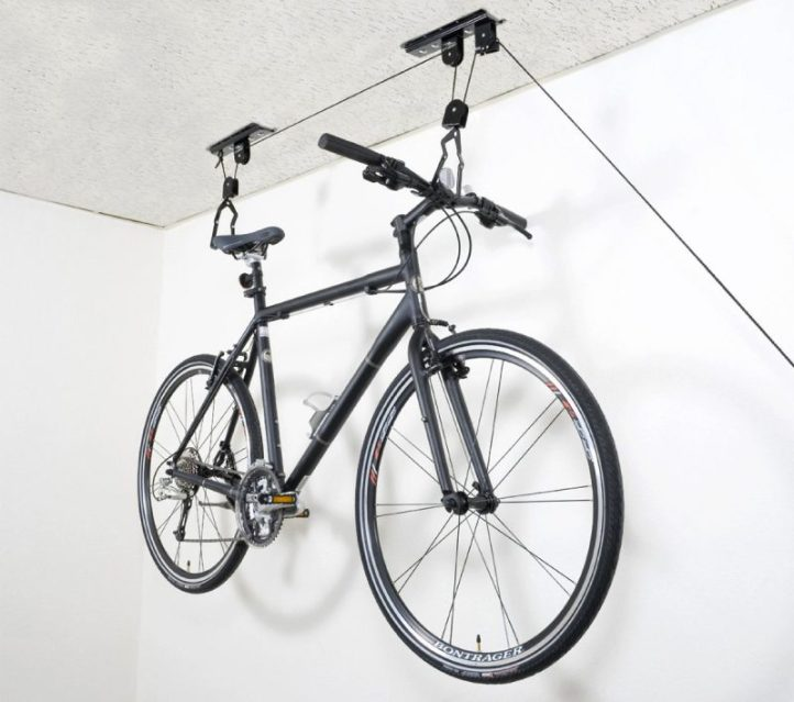 8 fa ons d accrocher son v lo au mur vint 39 age of bikes - Accrocher velo garage ...