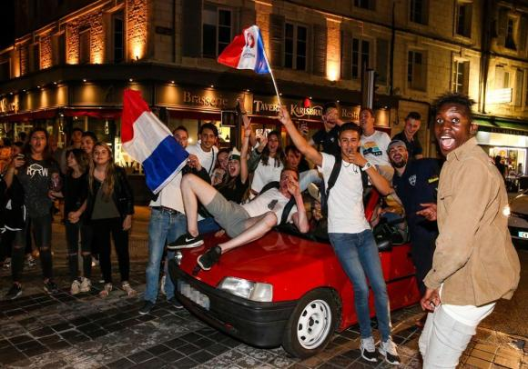 JOIE SUPPORTERS EURO 1-2 F-13
