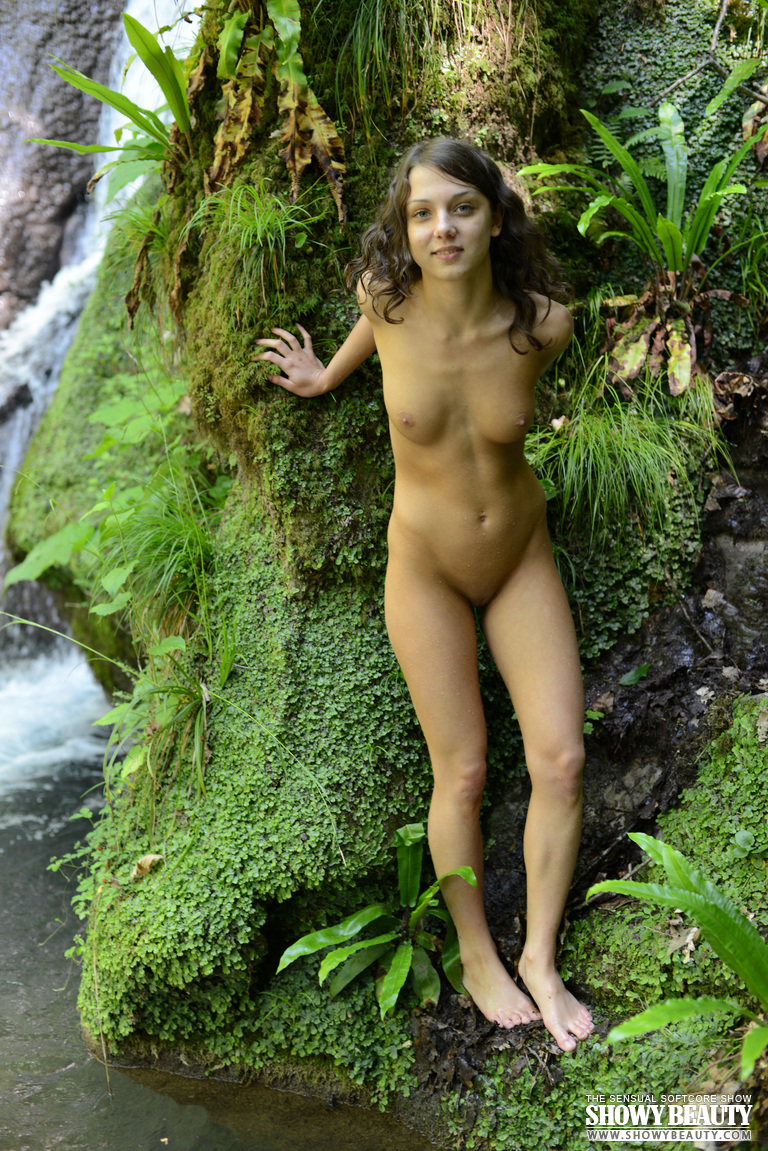 nude women at waterfalls