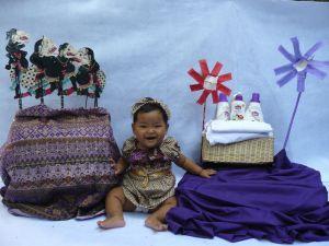 8 Bulan Baby Anindya : Eh...Mulai Tumbuh Giginya!