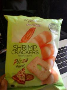 O Garlos Shrimp : Krupuk Udang Rasa Pizza, Tipis Kriuknya!