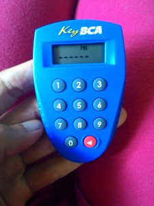 Bagaimana Jika Key BCA Hilang/ Rusak? (Berikut Biaya & Syarat Pergantiannya)