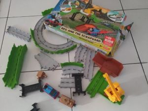 Fisher Price Thomas & Friends Adventures : Over 25 Pieces